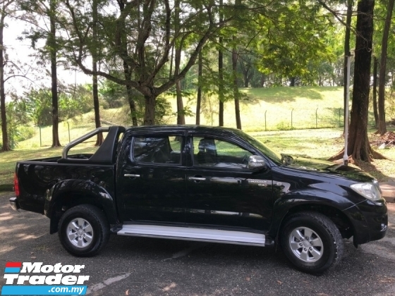 2011 TOYOTA HILUX DOUBLE CAB 2.5G (AT) TURBODIESEL 4X4 1 OWNER