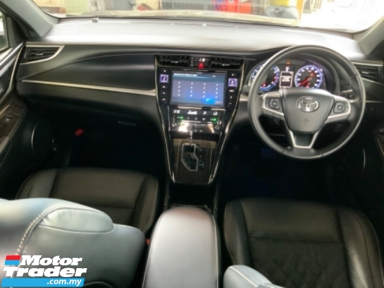 2017 TOYOTA HARRIER 2.0 panoramic roof power boot surround camera electric seat push start unregistered