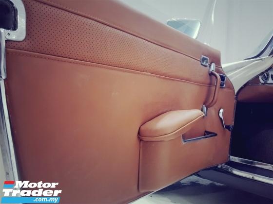1968 MERCEDES-BENZ SL 280SL PAGODA AUTO RHD