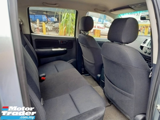 2013 TOYOTA HILUX DOUBLE CAB 2.5G (AT) /RUNNING CONDITION