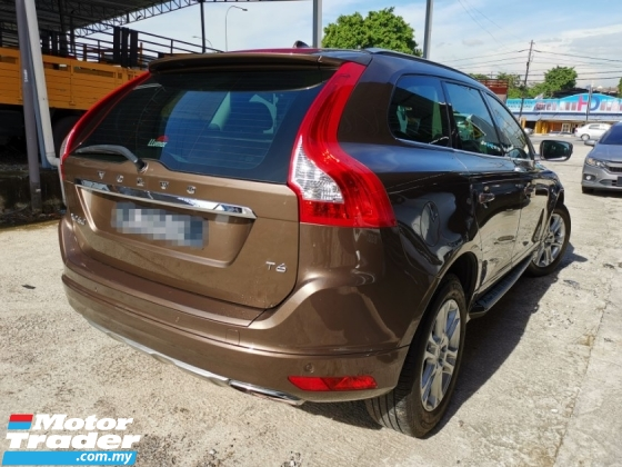 2016 VOLVO XC60 2.0 T6 Turbo ACCIDENT FREE FULL SERVICE RECORD ONE OWNER