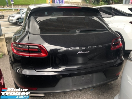 2014 PORSCHE MACAN 2.0 Turbo AWD Porsche Doppelkupplung 7 Speed Full LED Lights Paddle Shift Power Boot Unreg
