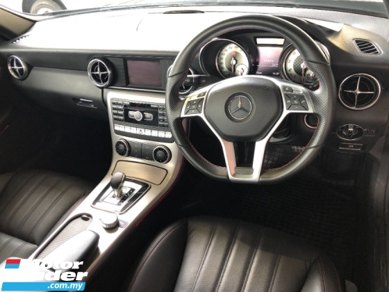 2015 MERCEDES-BENZ SLK SLK200 AMG 2.0 Turbo 9G Speed Panoramic Roof Multi Function Paddle Shift Steering Auto Cruise Unreg