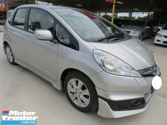 2014 HONDA JAZZ 1.3 (A) Hybrid FULL SERVICE RECORD AT HONDA H/LOAN