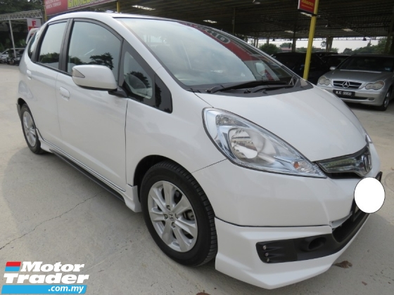 2016 HONDA JAZZ 1.3 (A) Hybrid FULL SERVICE RECORD AT HONDA H/LOAN