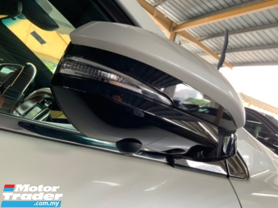 2017 TOYOTA HARRIER 2.0surround camera power boot Panoramic roof Facelift Unregistered