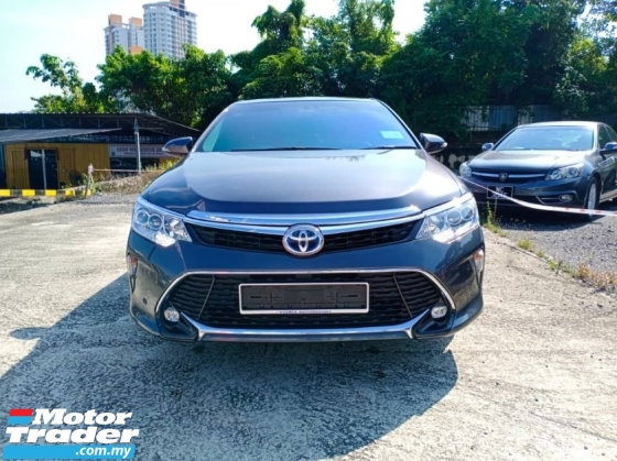 2017 TOYOTA CAMRY 2.5 HYBRID LUXURY SEDAN STILL UNDER WARRANTY