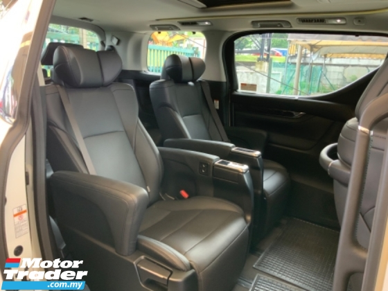 2018 TOYOTA ALPHARD 2.5 SC facelift sunroof precrash system power boot leather seats high spec great condition unreg