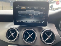 2017 MERCEDES-BENZ GLA 200 X156 FULL SERVICE MERCEDES UNDER WARRANTY