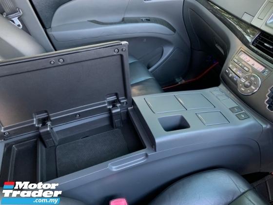 2010 TOYOTA ESTIMA 2.4 AERAS G EDITION (A) Premium Armrest Console