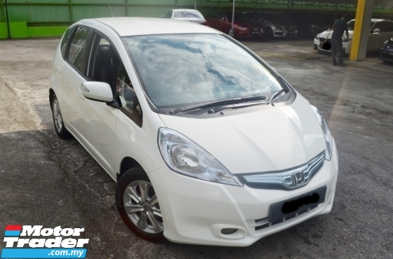 2014 HONDA JAZZ 1.3 NEW FACELIFT FULL SERVICE RECORD BY HONDA