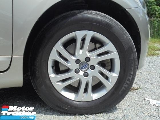2015 VOLVO XC60 2.0 T5 SUV Facelift Keyless PushStart BLIS LikeNEW