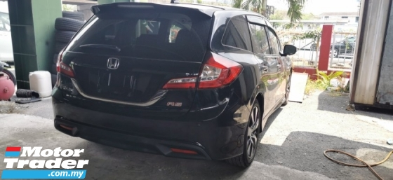 2015 HONDA JADE 1.5 RS TURBO / CBU JAPAN / FULL SPEC / 5 YEARS WARRANTY UNLIMITED KM