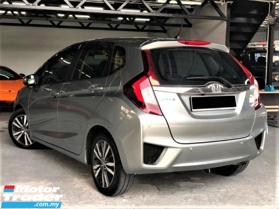 2014 HONDA JAZZ 1.5 V Mileage 70k km 1Owner FreeWaranty