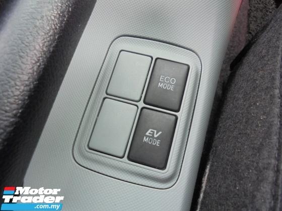 2012 TOYOTA PRIUS 1.5 Hybrid CVT ECOFuel TRD Sportivo