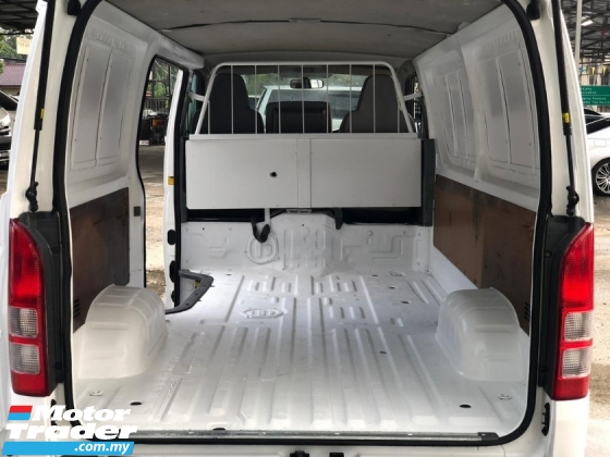 2011 TOYOTA HIACE 2.5 ENHANCED FACELIFT ONE OWNER GOOD CONDITION