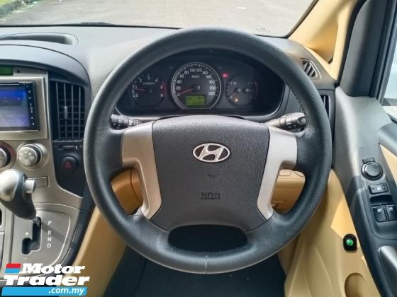 2011 HYUNDAI GRAND STAREX 2.5 CRDI 12 LEATHER SEAT CBU