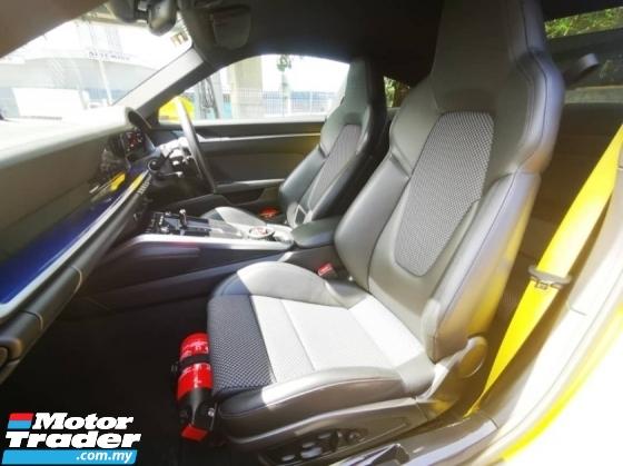 2019 PORSCHE 911 CARRERA 4S UNREG (CERAMIC BRAKES/ PDCC/LED MATRIX)