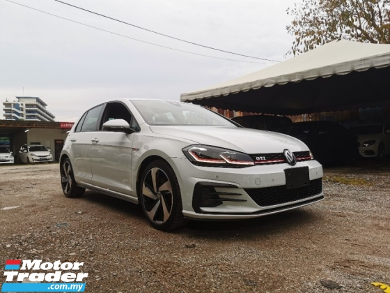 2017 VOLKSWAGEN GOLF GTI 7.5 DCC PACKAGE