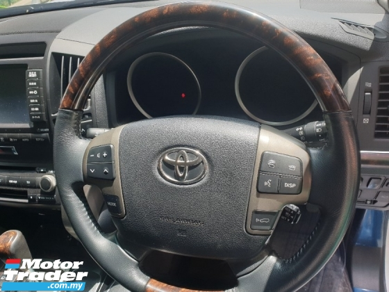 2010 TOYOTA LAND CRUISER 4.6 ZX+V8+CAR KING+SUN ROOF+PRECRASH
