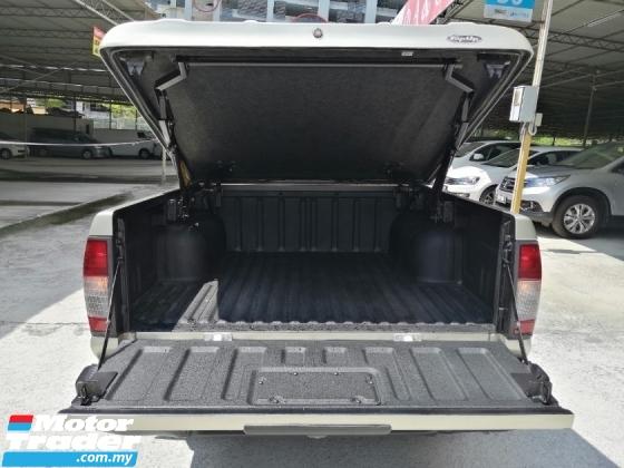 2010 NISSAN FRONTIER Nissan Frontier 2.5 MT 4WD FULLSPEC