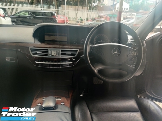 2010 MERCEDES-BENZ S-CLASS S350 with Sunroof