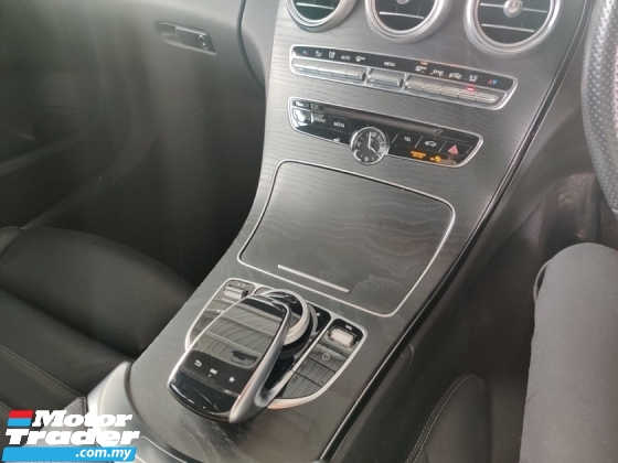 2015 MERCEDES-BENZ C-CLASS C200 AMG P-Boot, P-Roof 5 YEARS WARRANTY