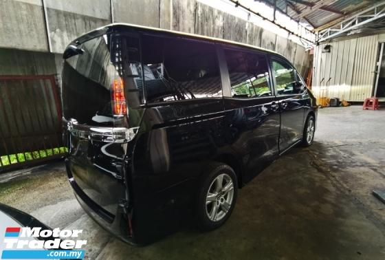 2016 TOYOTA VOXY 2.0 7 SEAT POWER DOOR REVERSE CAMERA 2016 JAPAN UNREG FREE WARRANTY