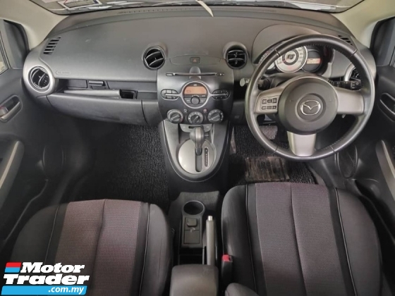 2011 MAZDA 2 1.5 HATCH BACK V-SPEC 1 LADY OWNER