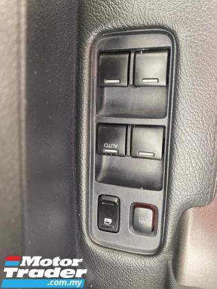 2010 HONDA CR-V  2.0 i-VTEC (A) FREE ONE YEAR WARRANTY