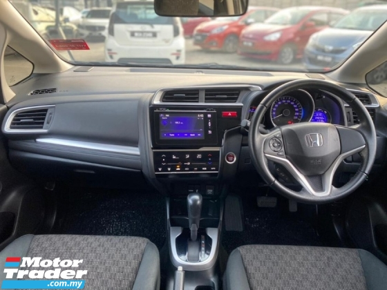 2016 HONDA JAZZ 1.5 V FACELIFT FULL HONDA SERVICE RECORD