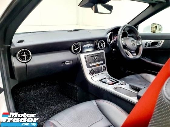 2016 MERCEDES-BENZ SLC 200 AMG