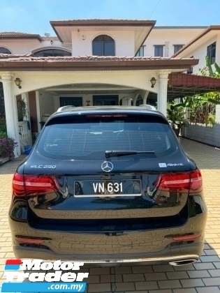 2017 MERCEDES-BENZ GLC 2.0 AMG LINE 4 MATIC PANORAMIC ROOF 9G TRINIC BURMESTER SOUND SYSTEM POWER BOOT 360 CAMERA