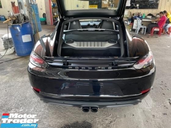 2018 PORSCHE 718 Unreg Porsche Cayman 718 2.0 Turbo Facelift Black Interior PDK 7Speed Paddle Shift