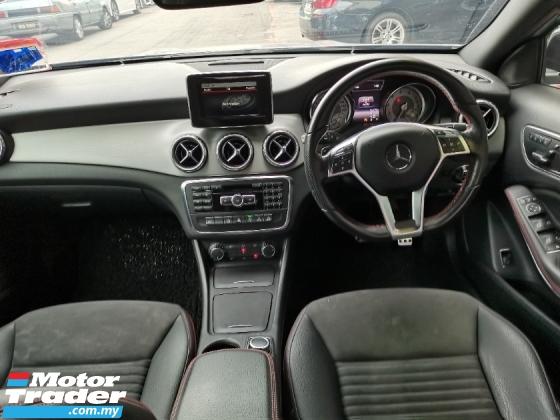 2015 MERCEDES-BENZ GLA Mercedes Benz GLA250 2.0 Turbo AMG 4-Matic