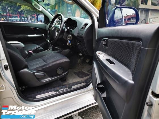 2015 TOYOTA HILUX 2.4 G VNT Manual Toyota Full Service Record