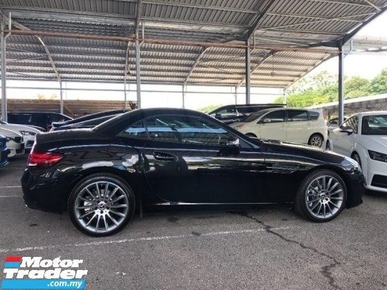 2017 MERCEDES-BENZ SLC SLC300 AMG Sport 2.0 Turbo 241hp 9G-Tronic Panoramic Roof Paddle Shift Steering Bucket Seat Unreg