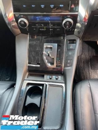 2018 TOYOTA ALPHARD Unreg Toyota Alphard SC 2.5 Pilot 7Seather 360View Sun Roof 3LED Light Modelista Bodykit Push Start